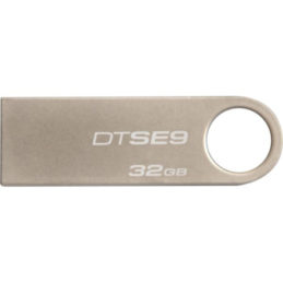 32GB Kingston Datatravler SE9 USB-minne